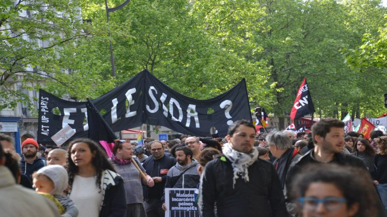 Manifestation d'Act Up-Paris lors du 1er mai 2017.