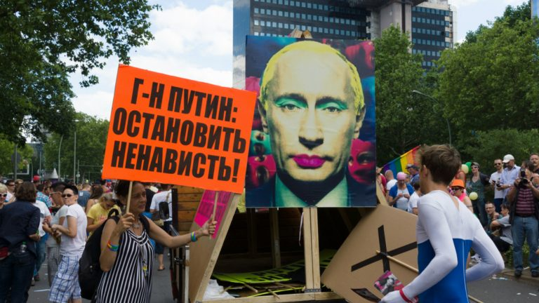 Manifestation anti Poutine à Berlin / Shutterstock