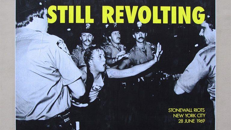 affiche commémorant les émeutes de Stonewall, fondatrices des droits LGBTQI, en 1969