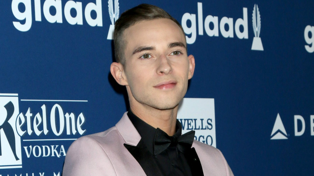 Adam Rippon aux GLAAD Awards le 12 avril 2018