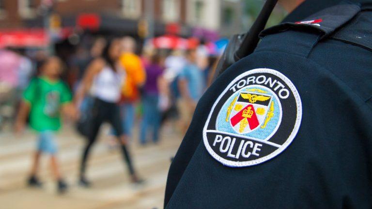 La police de Toronto écartée de la Pride suite à l'affaire du tueur en série d'hommes gays
