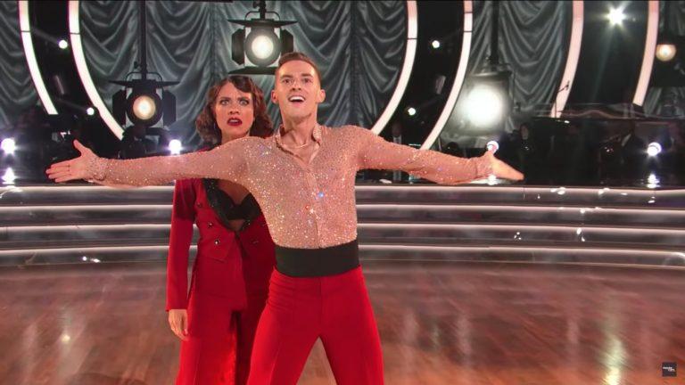 Adam Rippon et Jenna Johnson lors de la finale de «Danse avec les stars » lundi 21 mai - Capture d'écran