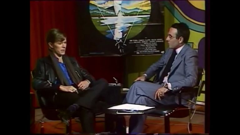 David Bowie interviewé par Yves Mourousi en juin 1977 - Capture d'écran YouTube