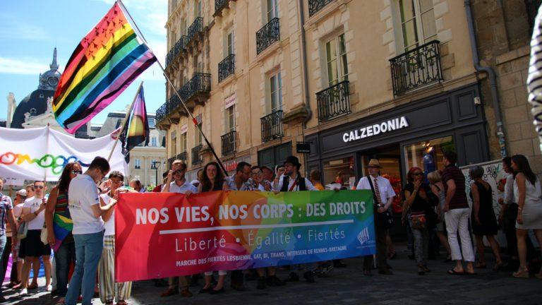 Des militant.e.s lors de la Marche des fiertés de Rennes en 2014