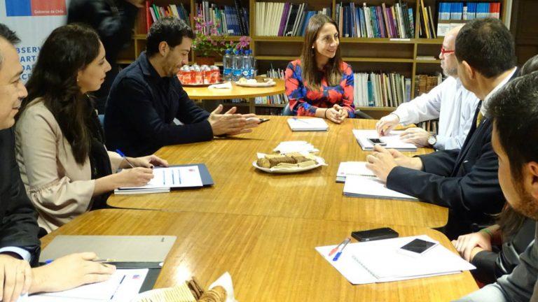 Réunion de travail entre la porte-parole du gouvernement chilien et l'association Movhil - Movhil / Twitter
