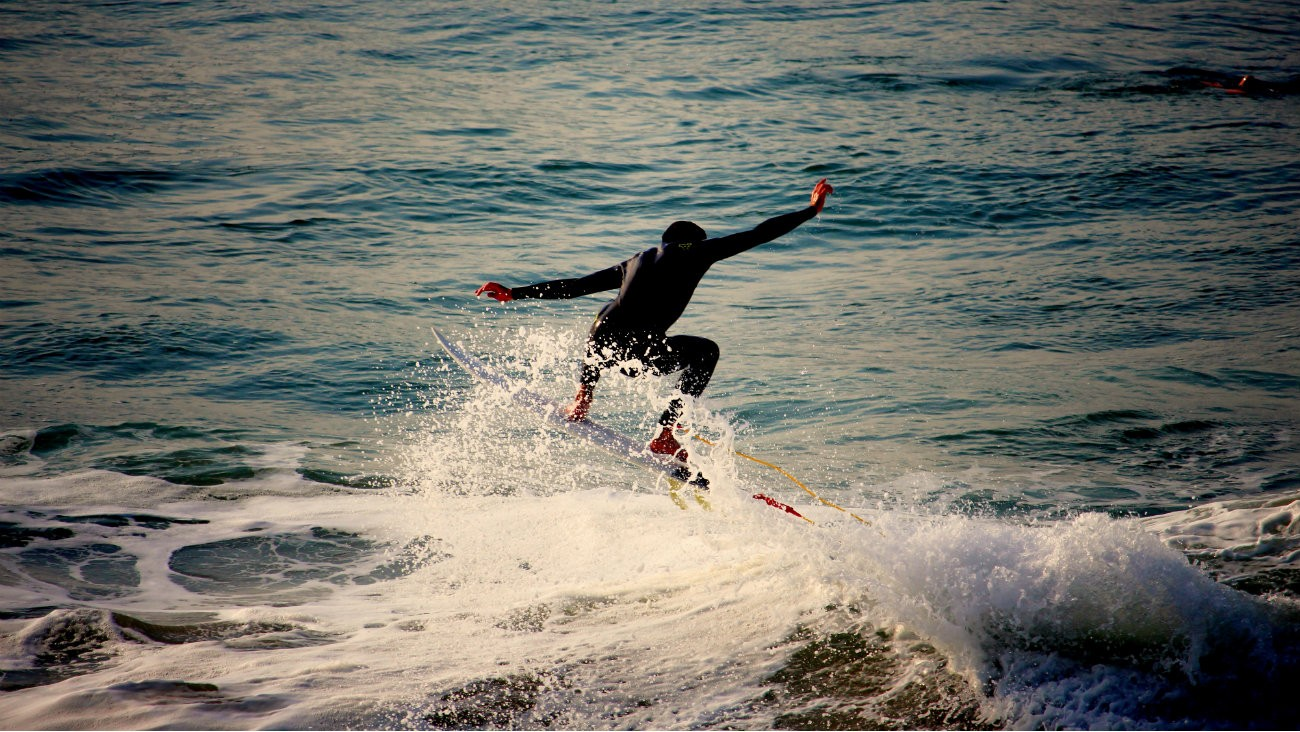 5 destinations balnéaires où faire du surf