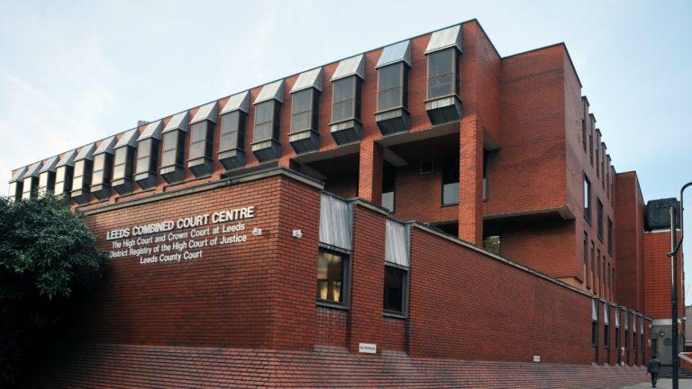 La Crown Court de Leeds, en Angleterre - philip openshaw / Shutterstock