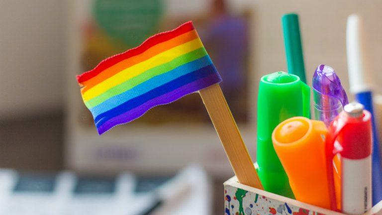 Les français LGBT friendly au travail ? À condition que ça ne se voie pas trop