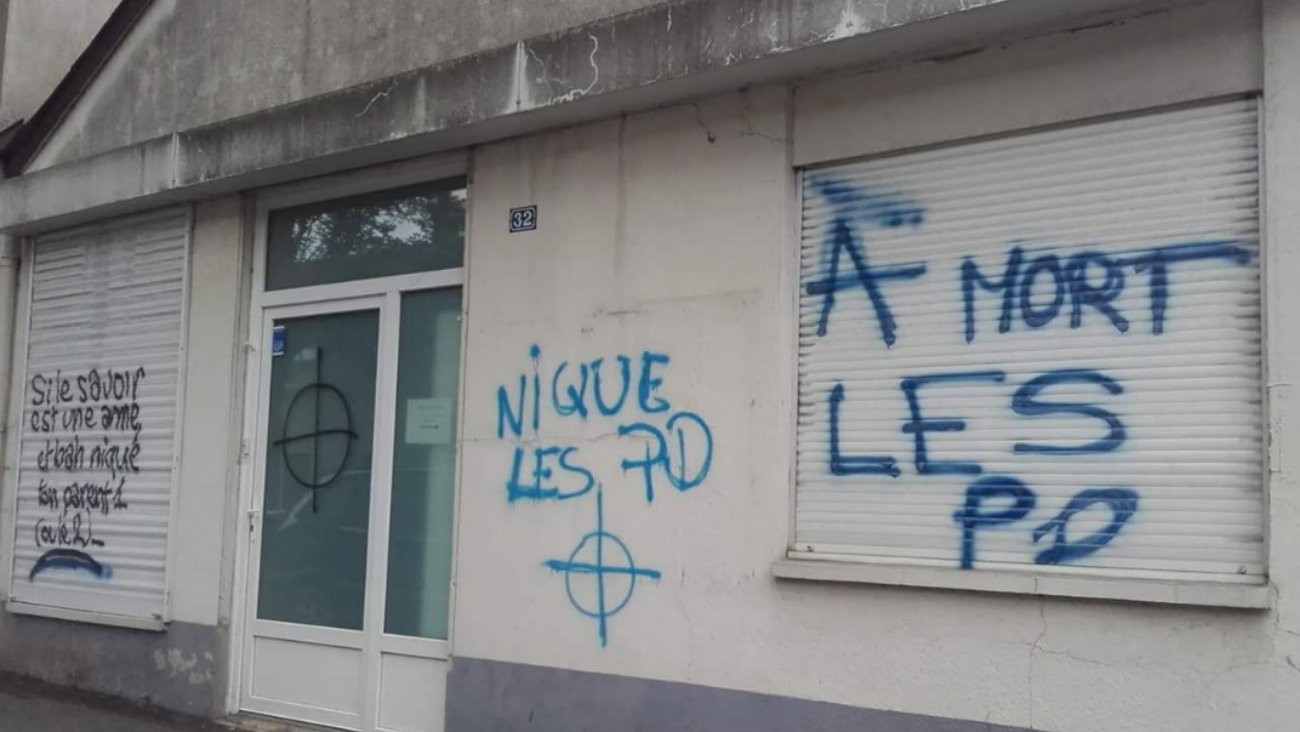 Les insultes homophobes retrouvées sur le Centre LGBT d'Angers