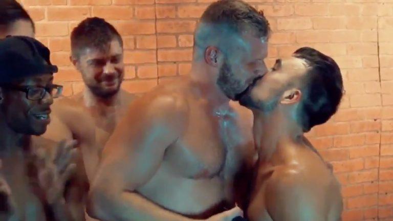 La demande en mariage acteurs porno gay gang bang