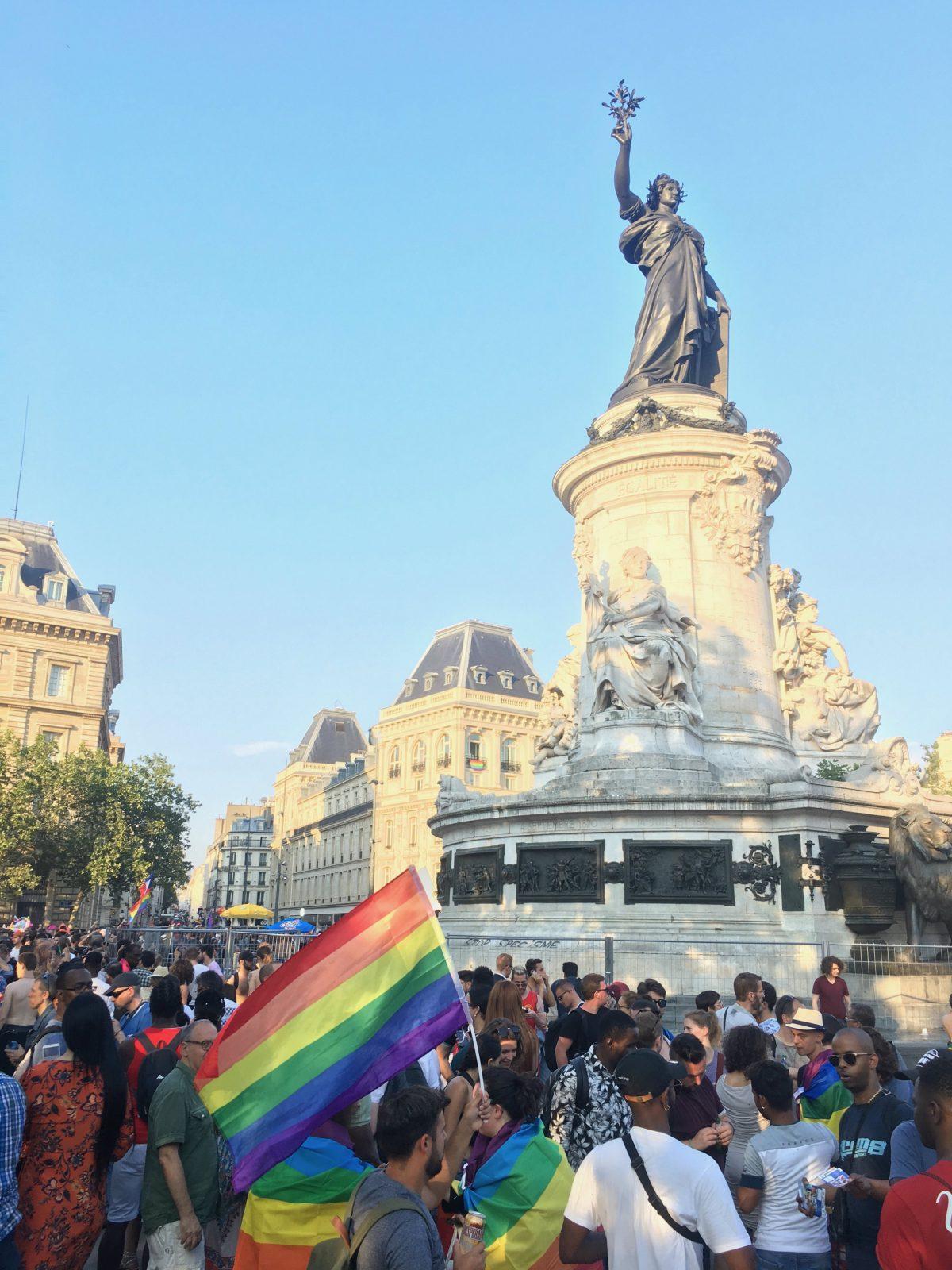 Marche des fiertés Paris 2018, place de la République - Philippe Peyre DR