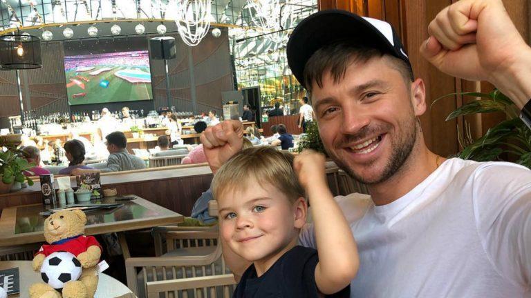 Mondial 2018 : Sergueï Lazarev et son fils cibles d'insultes homophobes
