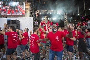 fin spectacle danse cérémonie clôture gay games paris 2018 paillettes confettis bénévoles danseurs danseuses hommage ballons