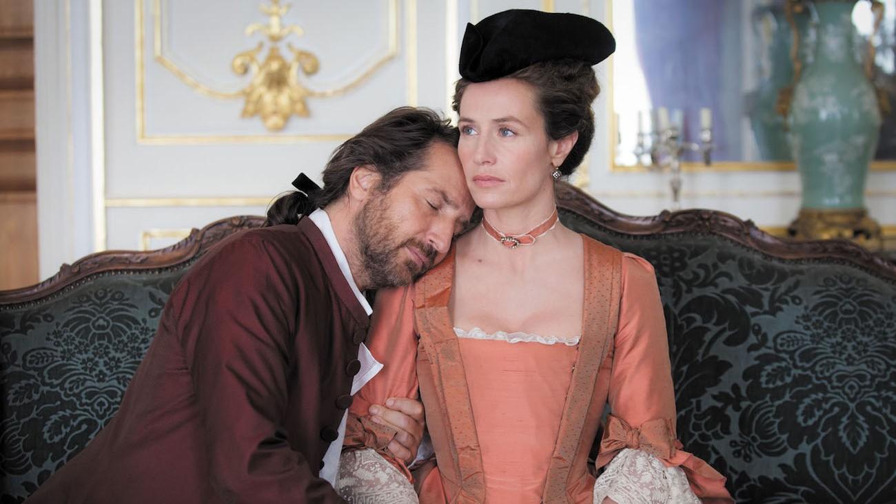 Cécile de France et Edouard Baer dans Mademoiselle de Joncquières