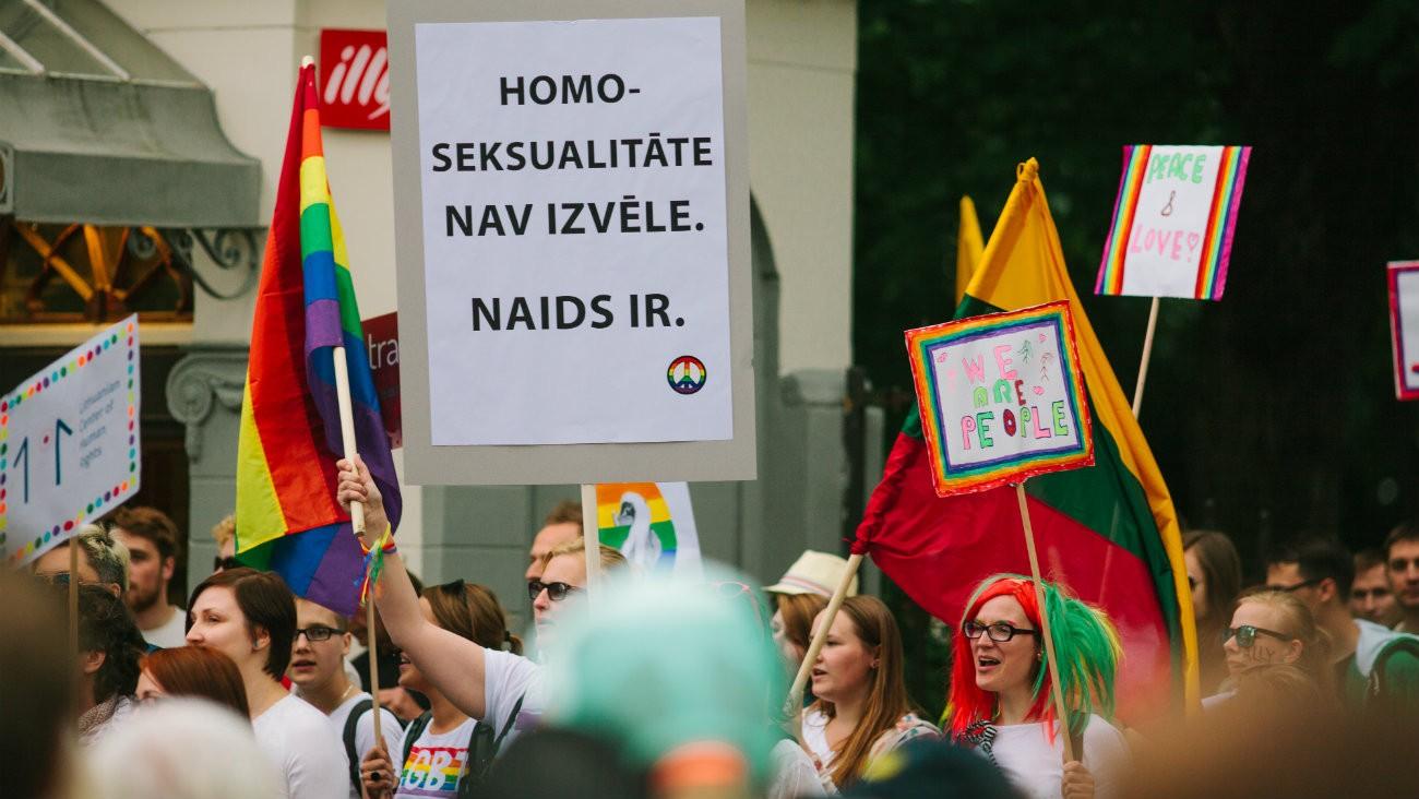 elections legislatives lettonie 2018 une deputee lesbienne un depute gay out premiere historique pays conservateur