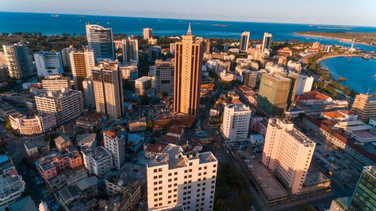 Vue aérienne de Dar-es-salam, en Tanzanie - Explorer / Shutterstock