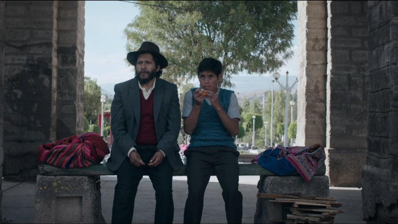 Amiel Cayo (Noé Páucar) et Junior Béjar Roca (Segundo Páucar), dans « Mon Père », de Alvaro Delgado-Aparicio