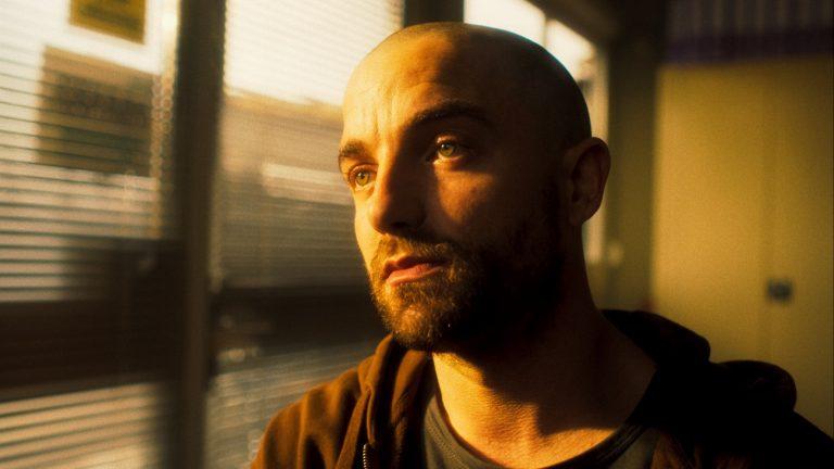 Guillaume Gouix dans « Les Drapeaux de papier », de Nathan Ambrosioni - Sensito Films Rezo Films