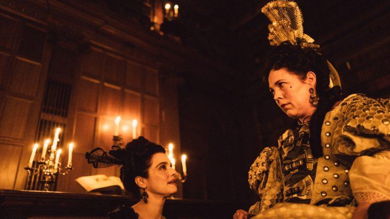 Rachel Weisz et Olivia Colman dans « La Favorite », de Yorgos Lanthimos