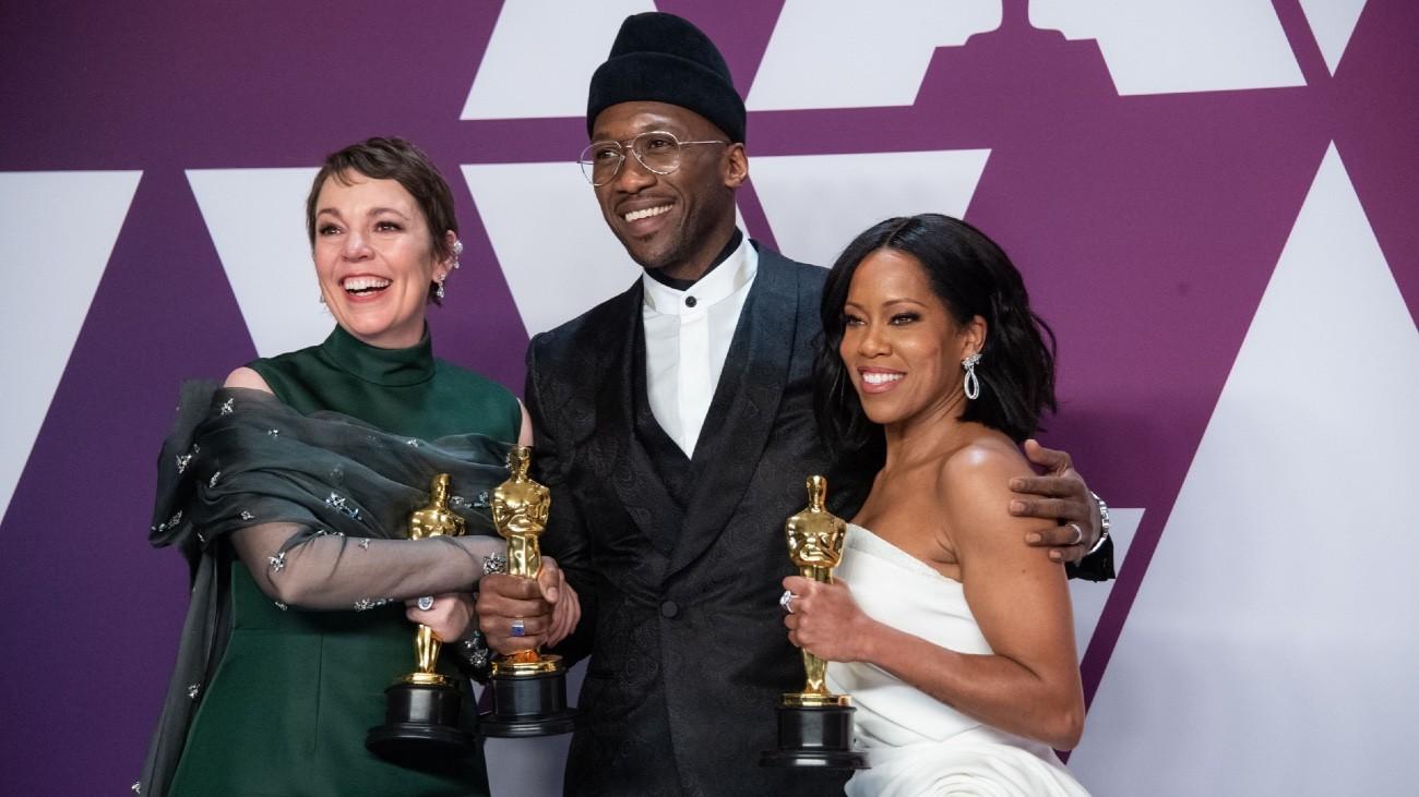 Olivia Colman, Mahershala Ali et Regina King repartent avec la statuette tant convoitée - Mike Baker ©A.M.P.A.S.