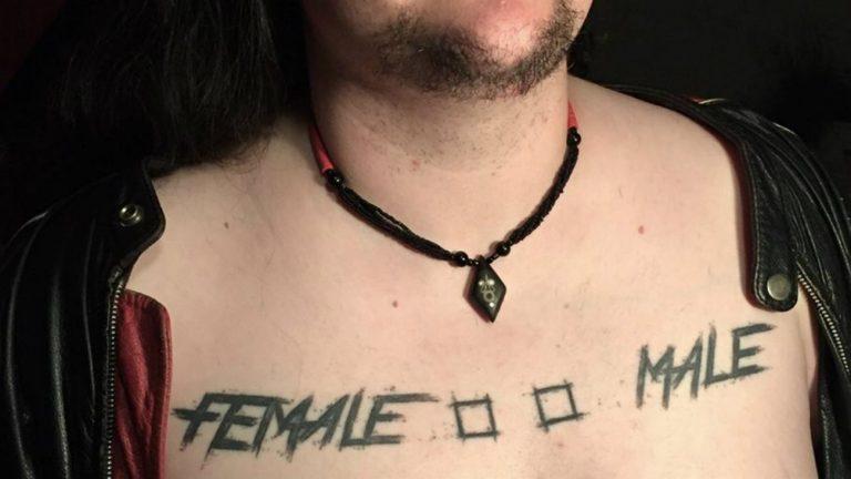 intersexe lesbienne femme à barbe clemence shaarghot scene metal non-binaire