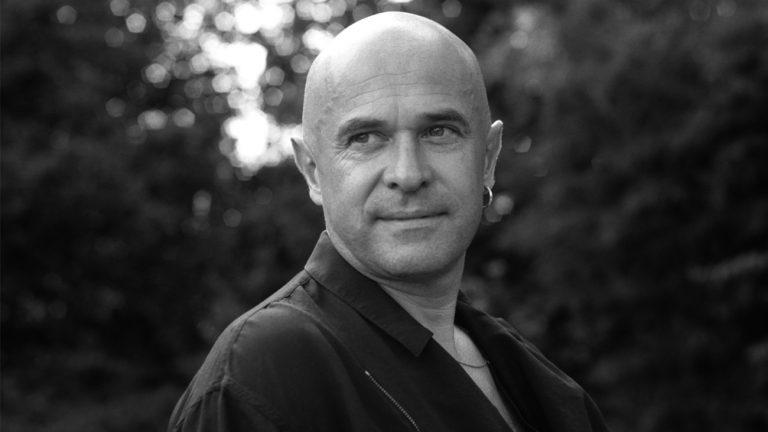 Portrait de Yann-Fañch Kemener, en 2003, par Max K Pelgrims