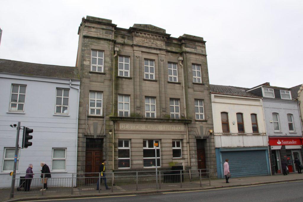 La façade du 343, installé dans une ancienne banque, à Belfast Est - Manon Deniau