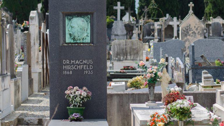 La tombe de Magnus Hirschfeld, à Nice - Xavier Héraud / Komitid