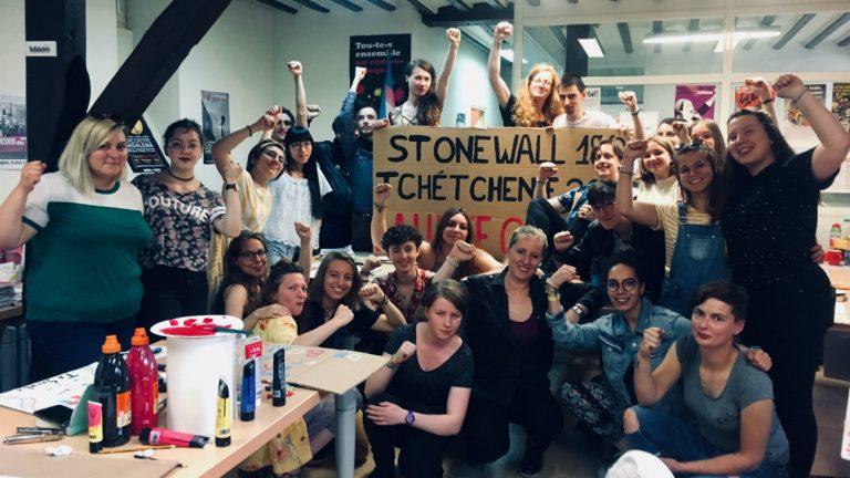 Les bénévoles du Collectif organisateur de la première Marche des fiertés à Amiens, qui aura lieu le samedi 22 juin à partir de 14 heures - Philippe Peyre / Komitid