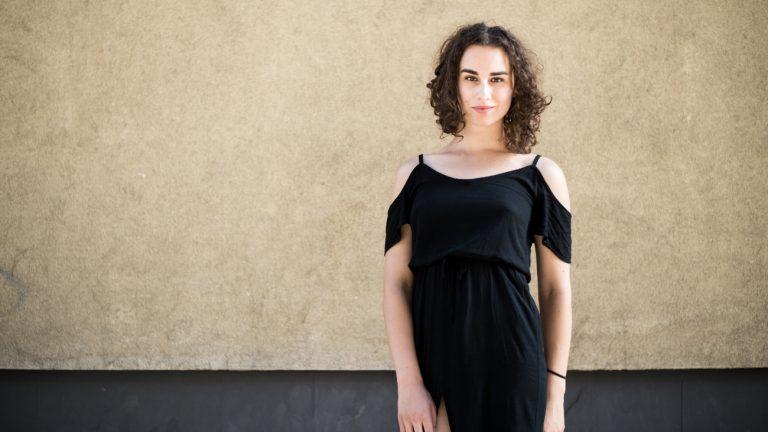 Adél Ónodi est une comédienne trans de 23 ans - Rebeka pour Komitid