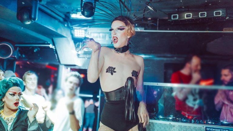 La drag queen Catherine Pine O'Noir, « interprétée » par un homme gay et juif. -Silvère Koulouris