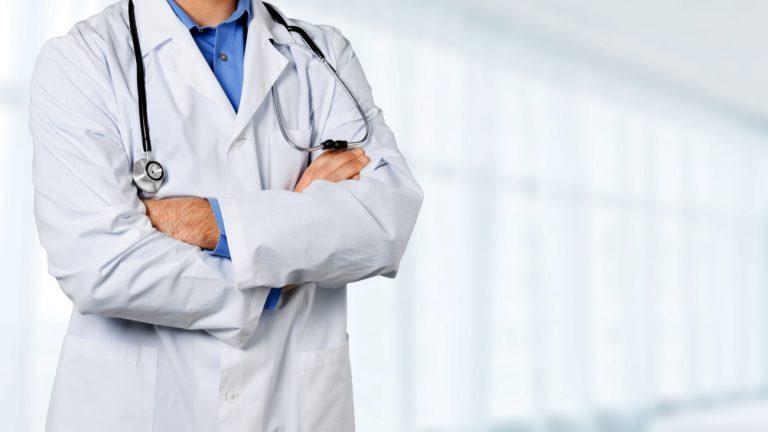 À Metz, un médecin refuse un certificat médical à un couple gay en vue d'une adoption - Billions Photos / Shutterstock