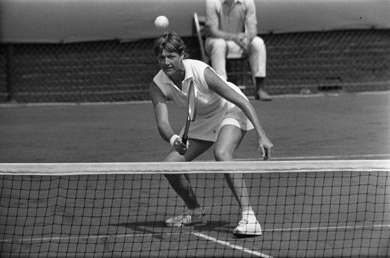 Des stars du tennis mondial critiquent la controversée Margaret Court, honorée à l'Open d'Australie