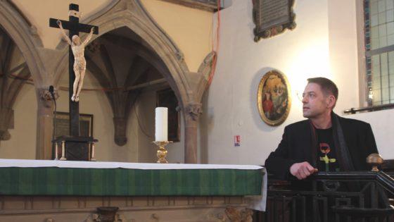 le combat du pasteur Christophe Kocher pour bénir des couples de même sexe