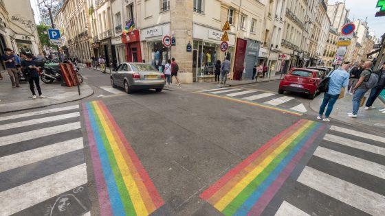 Dans les villes, les symboles doivent laisser la place à des mesures concrètes pour les personnes LGBT+