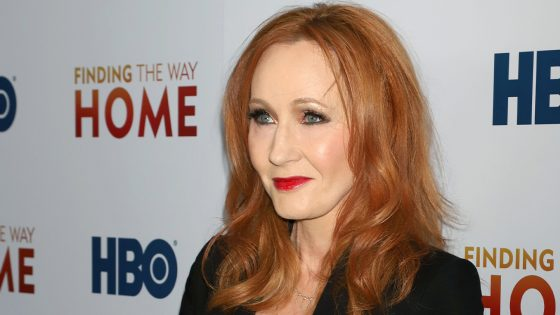 J.K. Rowling fait la promo d'une boutique d'accessoires aux messages transphobes