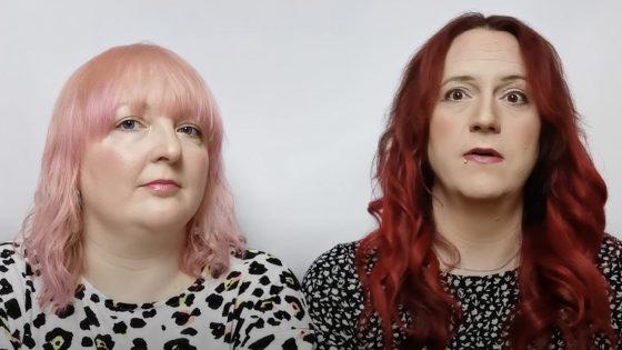 Une femme trans et sa compagne cis confrontées à des questions inappropriées
