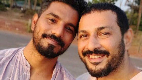 La joie de deux Indiens gays qui viennent d'acheter leur maison… et sont sortis du placard!