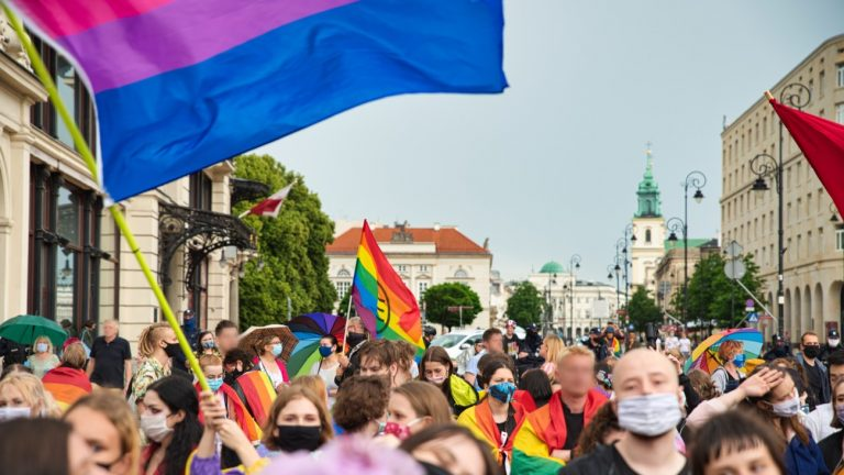 manifestation varsovie pologne lgbt