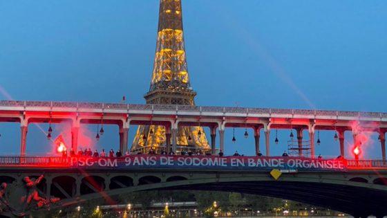 des ultras du PSG publient des photos de banderoles homophobes
