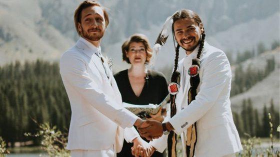 Ce couple gay américain s'est marié en mixant deux cultures