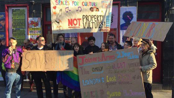 Un promoteur immobilier tenu d'assurer la survie d'un établissement LGBT+