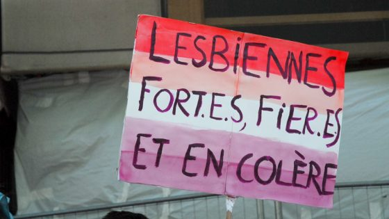 «Libère-toi du patriarcat et embrasse-moi»: le lesbianisme politique s'affirme en France