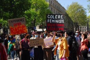 pancartes marche lesbienne paris