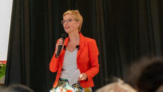 Clémentine Autain: «Je créerai 300 centres de santé, une porte d'entrée notamment pour les personnes transet pour la prévention du VIH/sida»